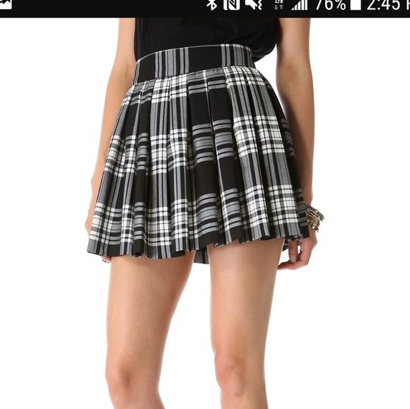 2f9b75ed0 Alice + Olivia Dresses & Skirts - Alice + Olivia Fizer Box Pleat Skirt